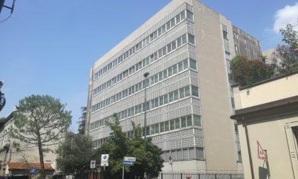 Presentata in Comune la petizione contro la chiusura della scuola Rovani