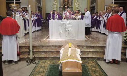 L'ultimo saluto a don Gianfranco Redaelli a Seregno