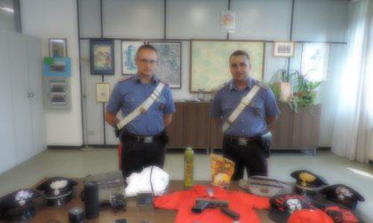 Rapinavano le coppiette armati di pistola: arrestati due fratelli