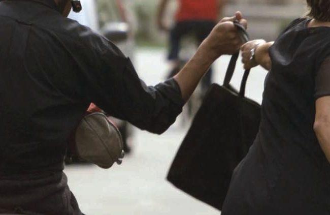 Scippa una donna arrestato 18enne a Pioltello