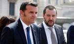 """Negozi chiusi la domenica: il ministro Centinaio si mette """"di traverso"""""""