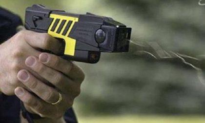 Sicurezza, ora il taser anche alla Polizia locale