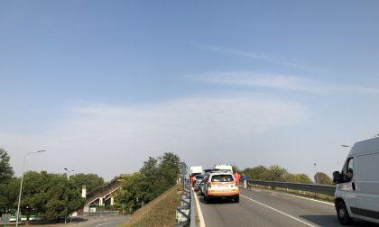 Ciclista investito, ponte tra Vimodrone e Cologno bloccato