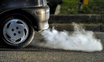 Carburanti: il 12 ottobre cambiano le etichette