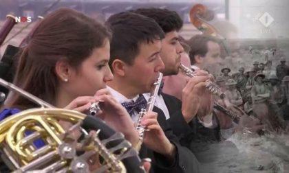 Giovane musicista suona per i potenti del mondo