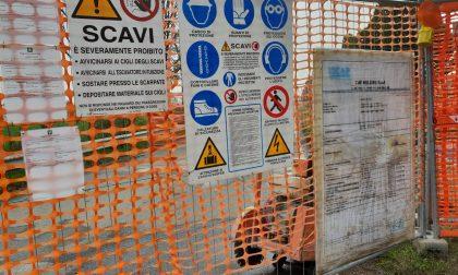 Strada chiusa per lavori alla fognatura intera frazione sul piede di guerra