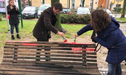 "Una panchina rossa davanti al Comune per dire ""Basta!"""