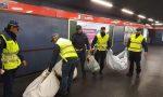 Venditore abusivo scappa dalla metro e aggredisce gli agenti