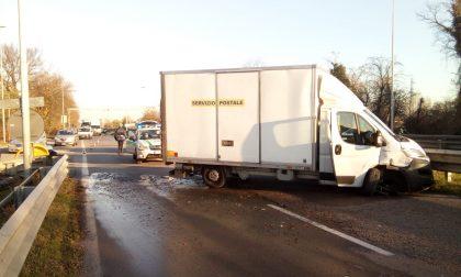 Incidente con il  furgone, Cassanese bloccata