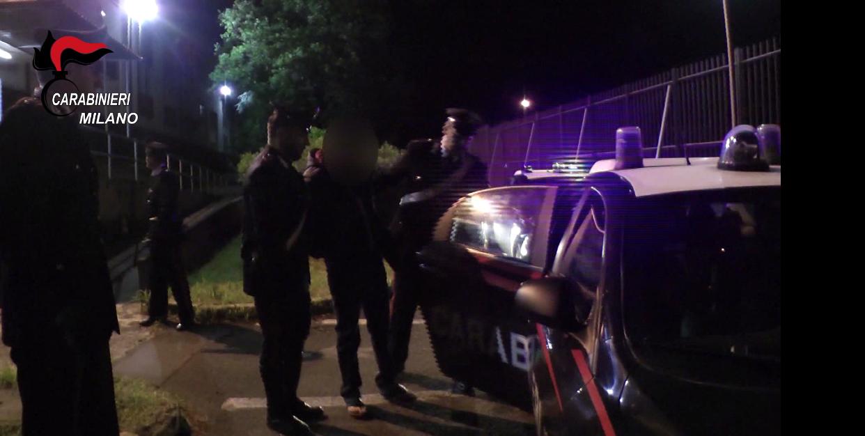 carabinieri droga in autobus sesto san giovanni