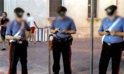 Giro di vite per chat e app sul lavoro... anche per i Carabinieri