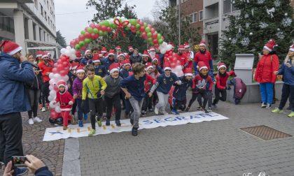 Tutti di corsa a Segrate con la Babbo Natale Run FOTO