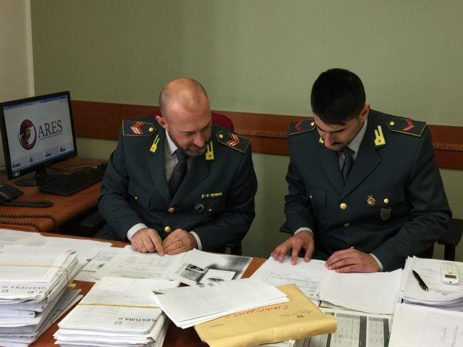 Falsi permessi di soggiorno: arrestato sovrintendente di Polizia