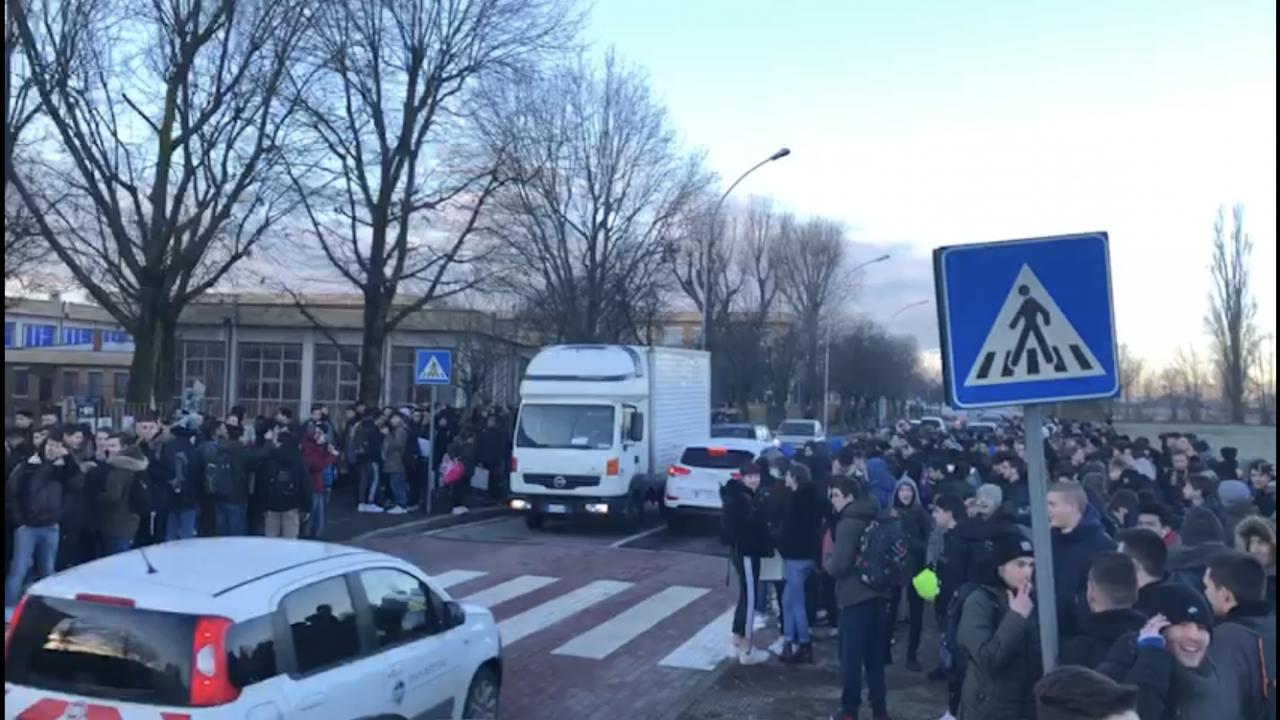 marconi gorgonzola studenti manifestazione protesta