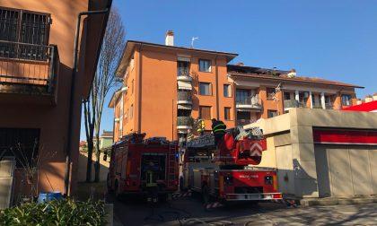 Principio d'incendio in casa a Cernusco