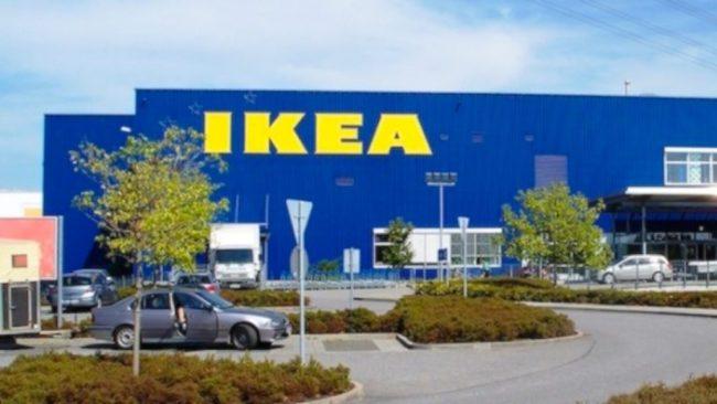 Dipendenti Ikea Corsico scambiano cartellini merce per pagare meno