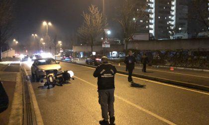 Spara colpi di pistola contro una vetrina, fermato dalla Polizia FOTO