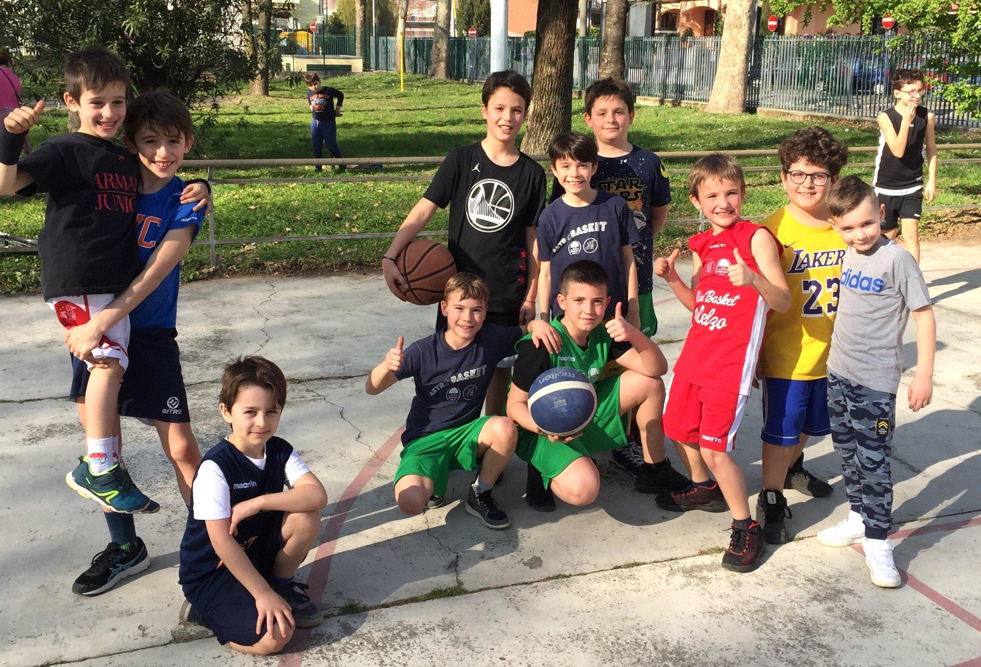 Al parco Deledda in campo per sostenere il progetto del basket Melzo