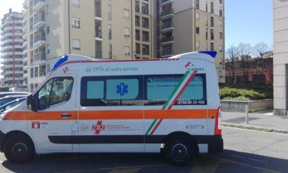 Malore in strada a Gessate, grave un 67enne