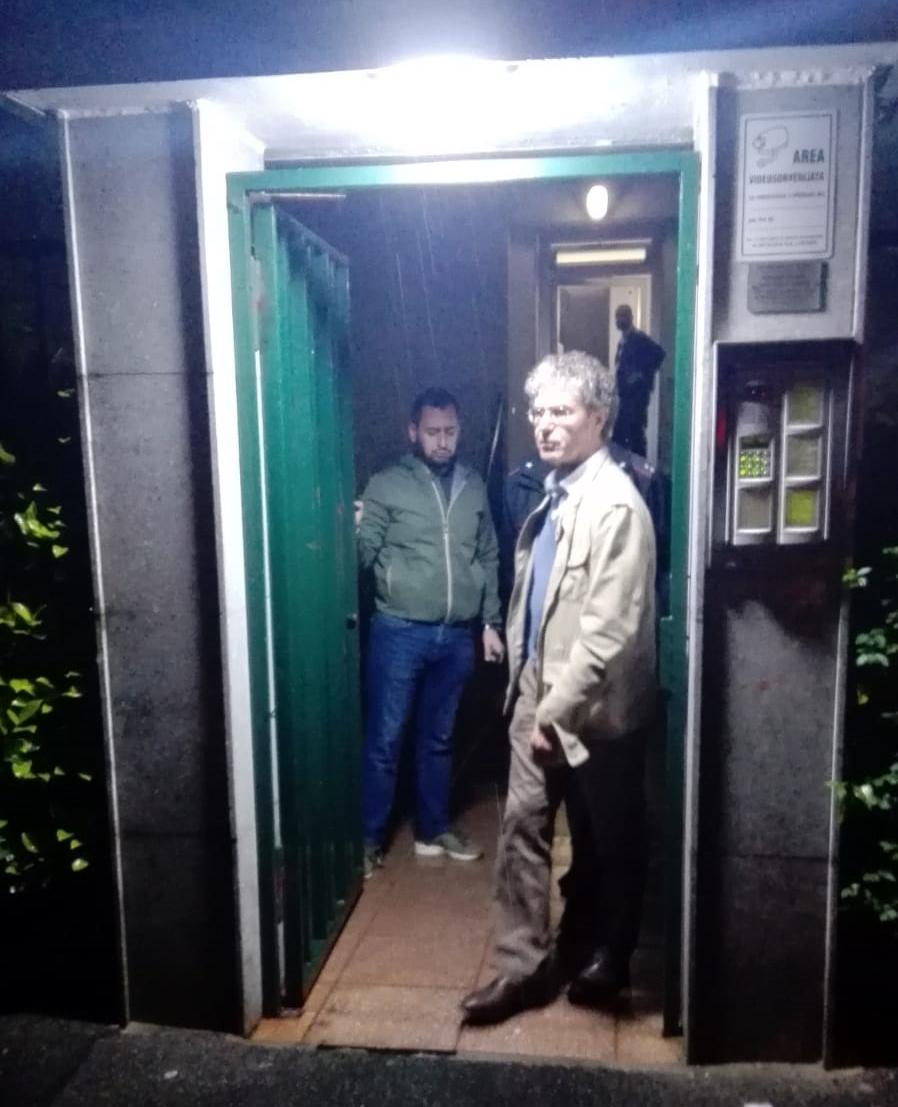Donna trovata morta in casa a Sesto: accoltellata, è omicidio
