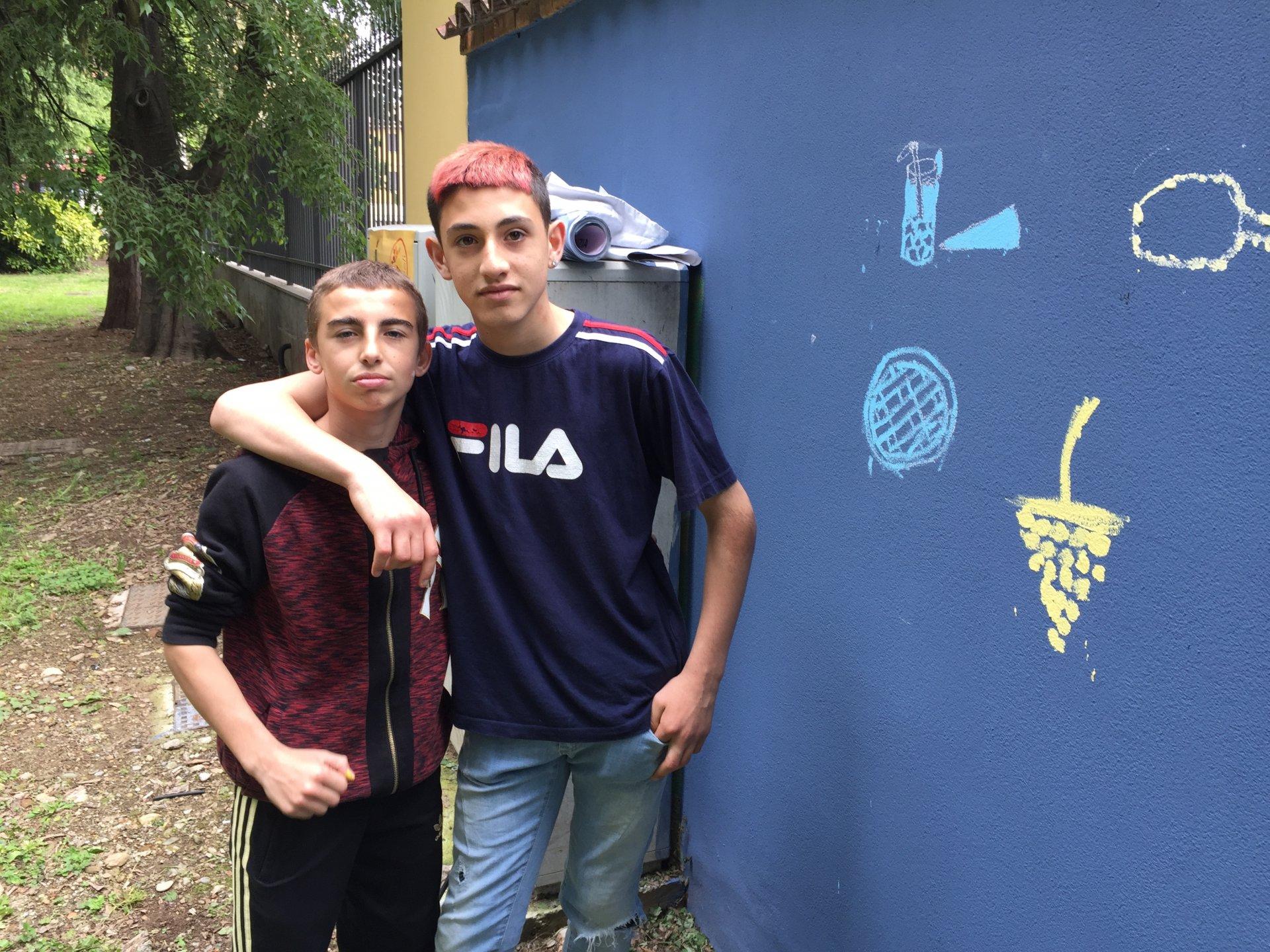 Brugherio murale nel parco di Villa Fiorita Murale dipinto dai ragazzi delle scuole medie del territorio simbolo di integrazione