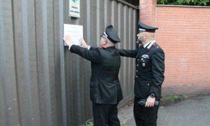 I carabinieri mettono i sigilli alla fabbrica del degrado FOTO