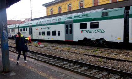 Donna investita da un treno, linea Trenord bloccata e ritardi