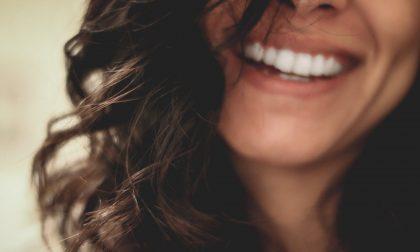 Implantologia e protesi dentali per ritrovare il sorriso