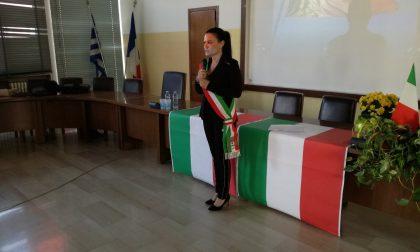 """Prima uscita in fascia tricolore per Elisa Balconi: """"Le donne sono tutrici della pace"""""""