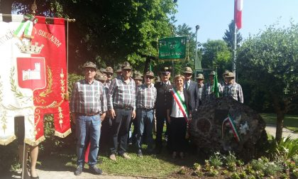Inaugurato un bassorilievo in ricordo del beato Teresio Olivelli nel giorno della Festa della Repubblica