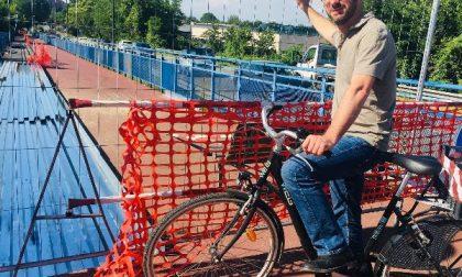Passerella ciclopedonale di via Morandi a Segrate: iniziati i lavori di riqualificazione delle rampe