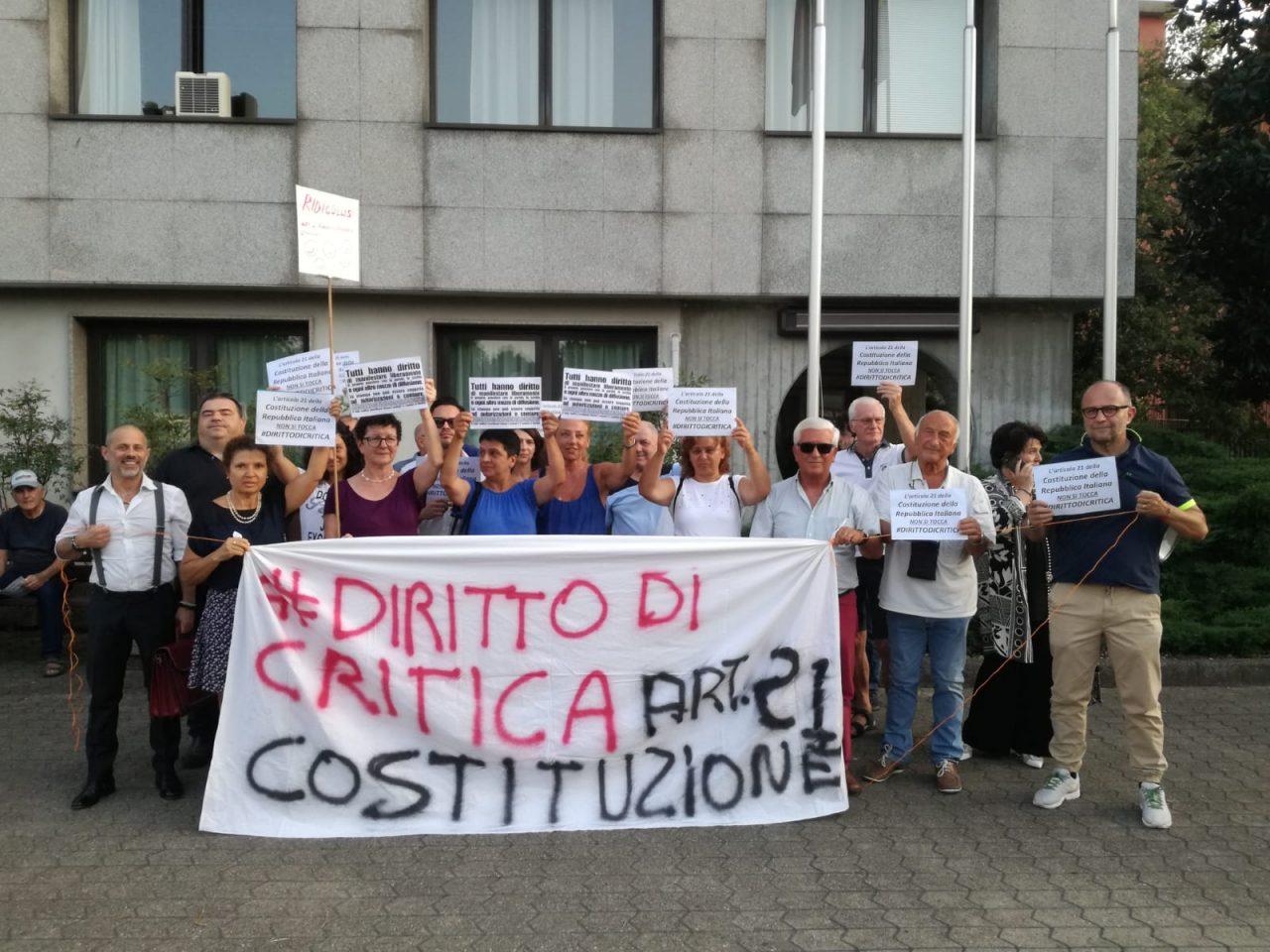 peschiera borromeo protesta contro sindaco