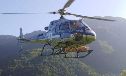 Bloccati in montagna, due ventenni recuperati con l'elicottero