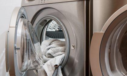 Lavatrici e lavasciuga: i vantaggi dei modelli moderni tra bassi consumi e connettività