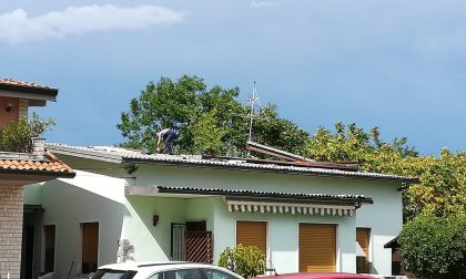 Bufera, tetto di eternit scoperchiato a Canonica FOTO