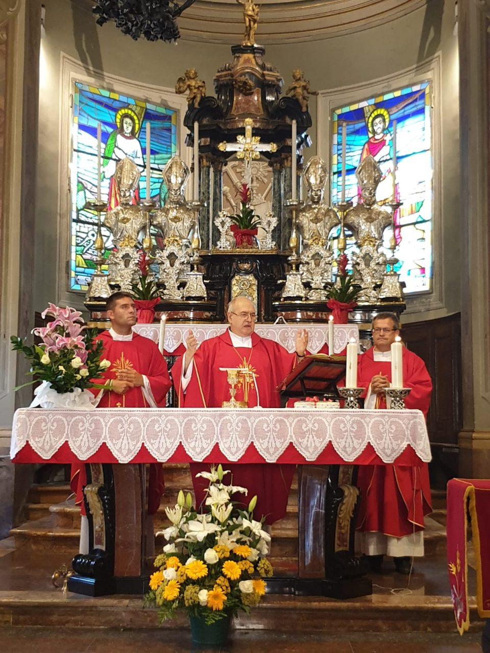 bancarelle e devozione a sant