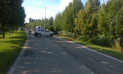 Auto nel fosso a Liscate, arriva l'elisoccorso per una donna in codice rosso FOTO