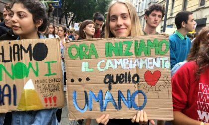 Fridays for future Milano: tutti i cartelli alla manifestazione FOTO
