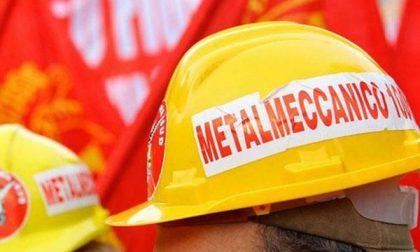 """Protesta dei lavoratori (senza occupazione) in Prefettura: """"Accordi disattesi"""""""