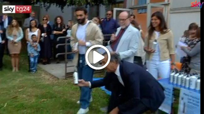 Milano, la scuola ricomincia plastic free con Mengoni e il sindaco Sala VIDEO