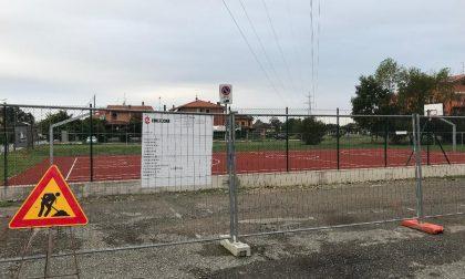 Albignano, il nuovo campetto da basket fa discutere
