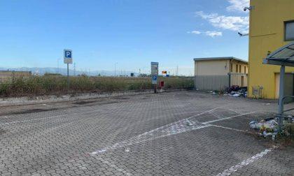 Mercatone Uno ripulisce il piazzale discarica di Pessano