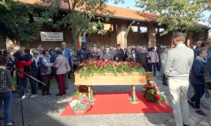 Folla di gente per l'addio a Carlo Cremoli