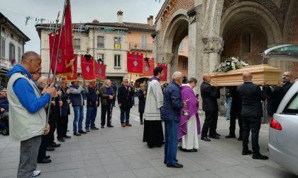 Rivolta si ferma per l'addio al volontario Giuseppe Crena FOTO