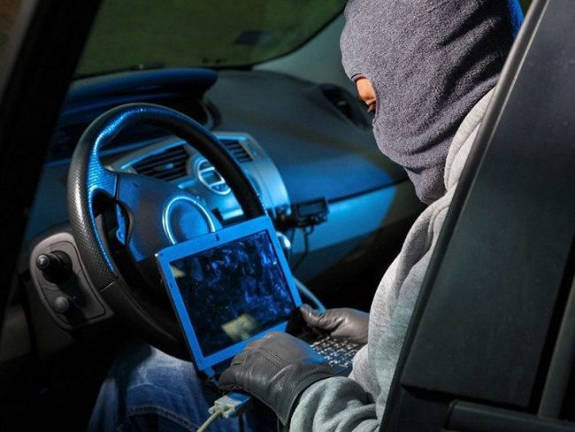 Presi ladri seriali di auto: colpivano a Linate e Malpensa