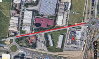 Via Milano a Pioltello chiusa per il rifacimento della ciclabile