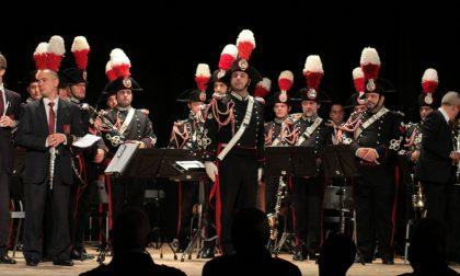 """I carabinieri emozionano la città di Melzo nel ricordo dei loro """"eroi"""""""