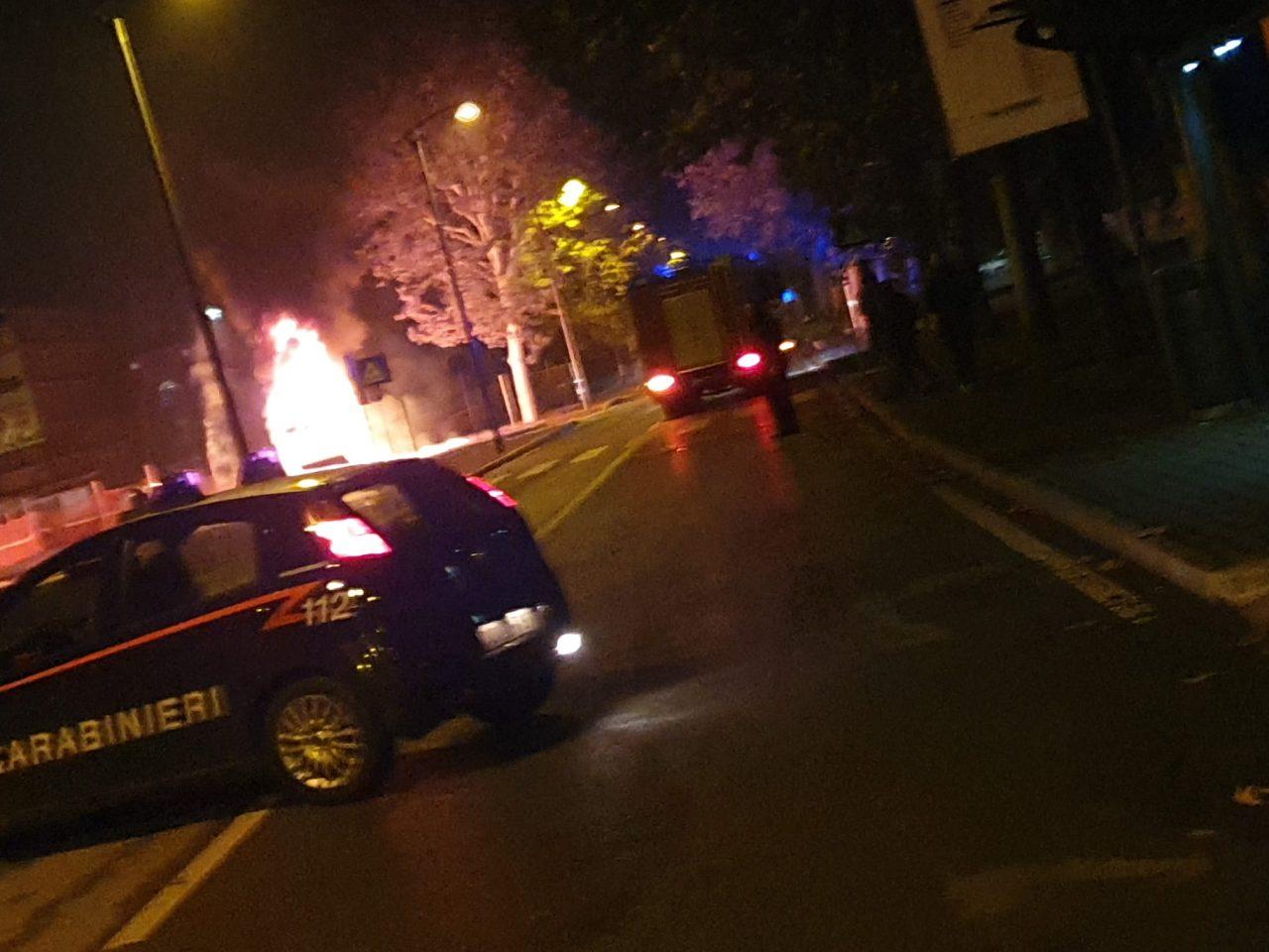 Tre veicoli a fuoco nella notte a Cernusco sul Naviglio | FOTO E VIDEO - La Martesana