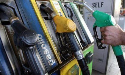 """Il  re dei """"furbetti del cashback"""" abita in Martesana: 1.092 rifornimenti dal benzinaio da 24 centesimi ciascuno"""