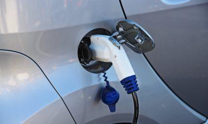 A Trezzano Rosa l'inaugurazione di due colonnine per auto elettriche